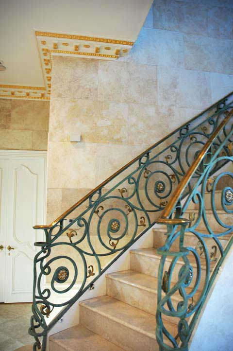 above faux stone faux limestone in grand foyer and corridors of residence - Decorative Painting